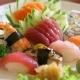 Combinado de sushis e sashimis