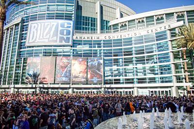 Entrada do evento antes da abertura dos portões
