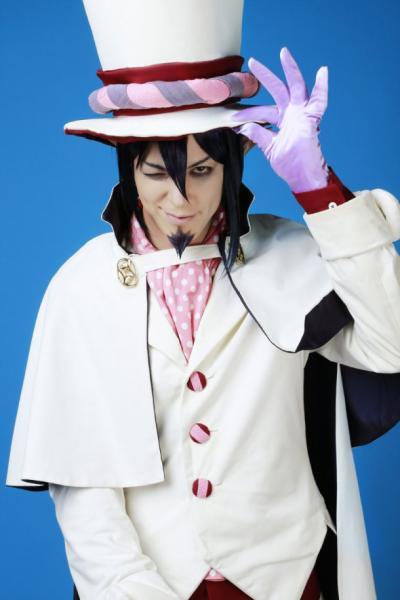 Ire Shiozaki como Mephisto Pheles