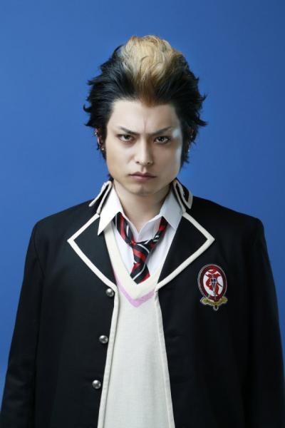 Tatsuya Isaka como Ryuji Suguro