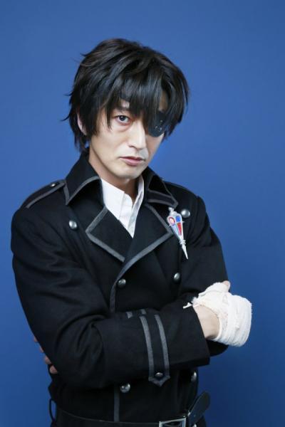 Takashi Hagino como Igor Noihaus