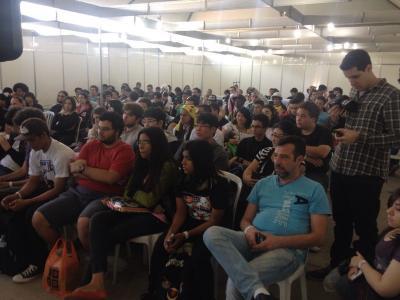 Plateia lotada para a palestra da JBC.