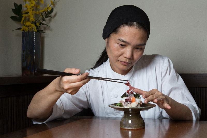 Restaurante Aizomê comemora 10 anos com menu especial