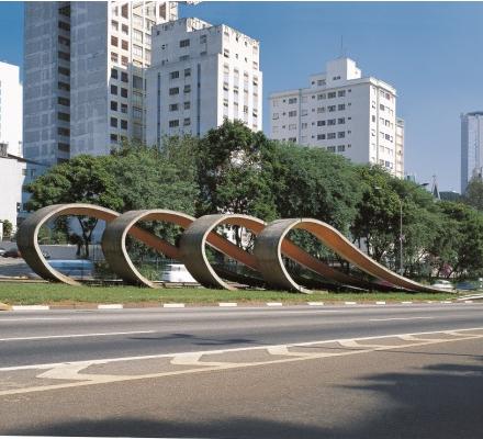 Obras imigração japonesa no Brasil da Avenida 23 de maio, em São Paulo