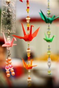 O tsuru é uma figura clássica do origami e simboliza longevidade