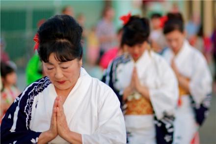 Feriado do obon celebra a visita dos antepassados