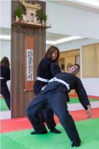 As tradições marciais shinobi ensinam como se proteger