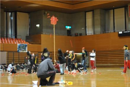 Toda gincana esportiva japonesa tem a brincadeira da bola ao cesto