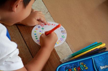 As crianças do Centro Educacional Pioneiro desenharam 225 caracóis