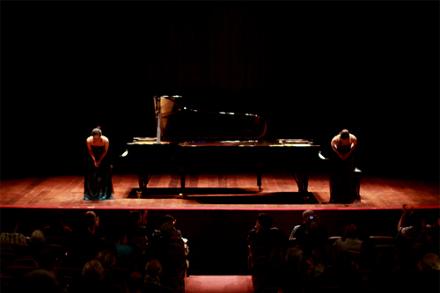 Ayaka e Yuka tocam juntas desde 2009