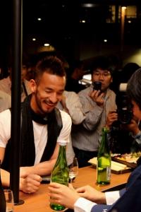 Hidetoshi Nakata em inauguração do Nakata.net Café