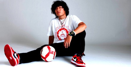 Yosshi se inspirou no futebol de Ronaldinho Gaúcho