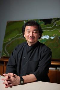 Shigeru Ban é laureado com Prêmio Pritzker em 2014
