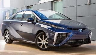 Toyota lança carro movido a hidrogênio