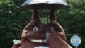 Totoro espera em ponto de ônibus de Mie