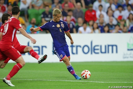 Keisuke Honda marcou o primeiro gol da partida contra a Jordânia