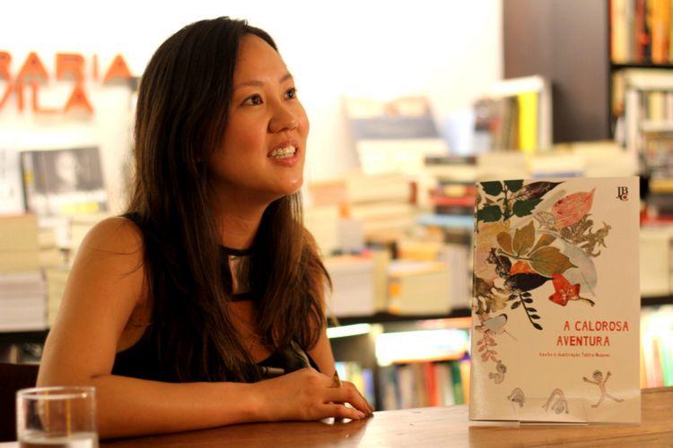 Talita Nozomi no evento de lançamento do livro 'A Calorosa Aventura'
