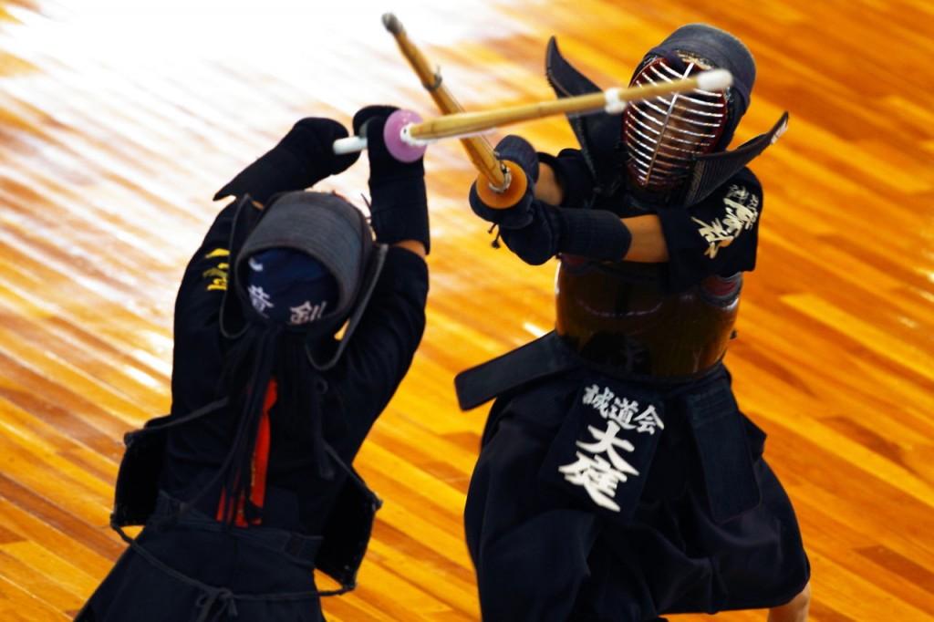 Qualquer aluno da luta pode reproduzir, sem os sabres de luz, os golpes de Obi-Wan e Quin-Gon jinn