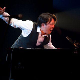 1M_MakotoOzone_c_Yow_Kobayashi_Yamaha_red2