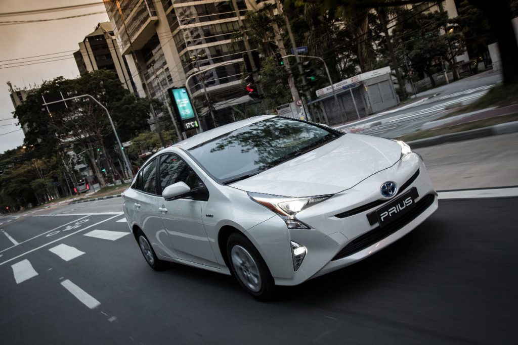 Toyota lança a quarta geração do Prius no Brasil