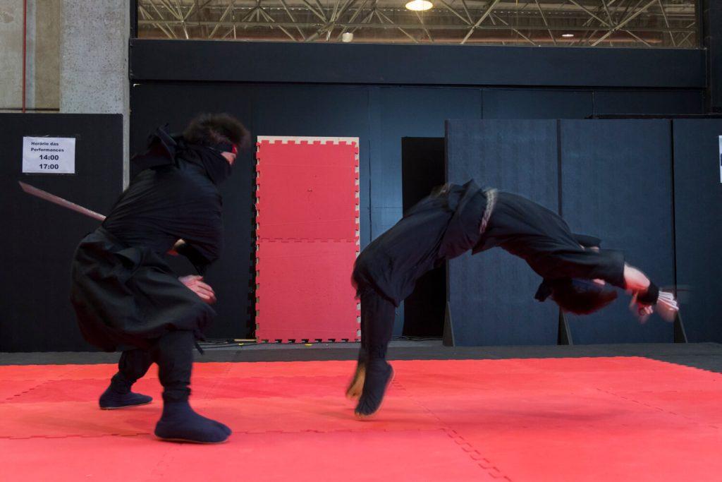 Técnicas do ninjutsu podem ser aprendidas em centros de treinamento no Japão