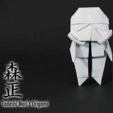 Aprenda a fazer um Stormtrooper de origami