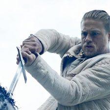 'Rei Arthur – A Lenda da Espada' trailer