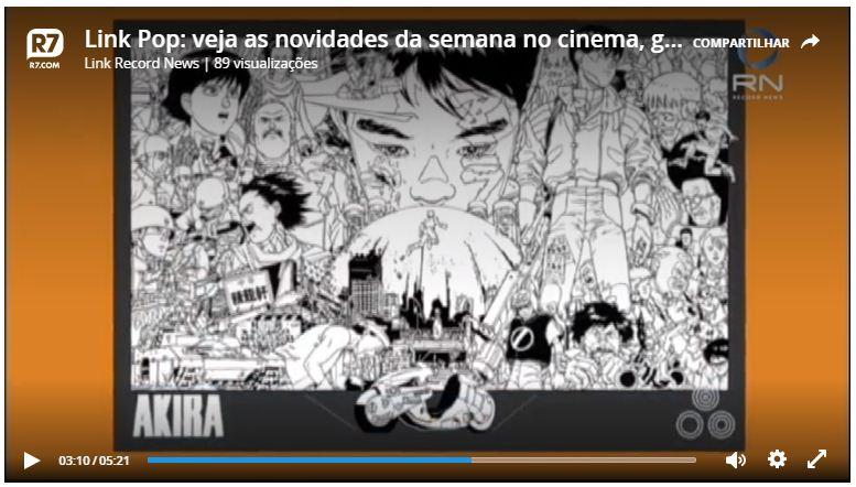 Mangá Akira com páginas em preto e branco