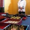 Chef Shin Koike explicando o cardápio elaborado especialmente para a ocasião