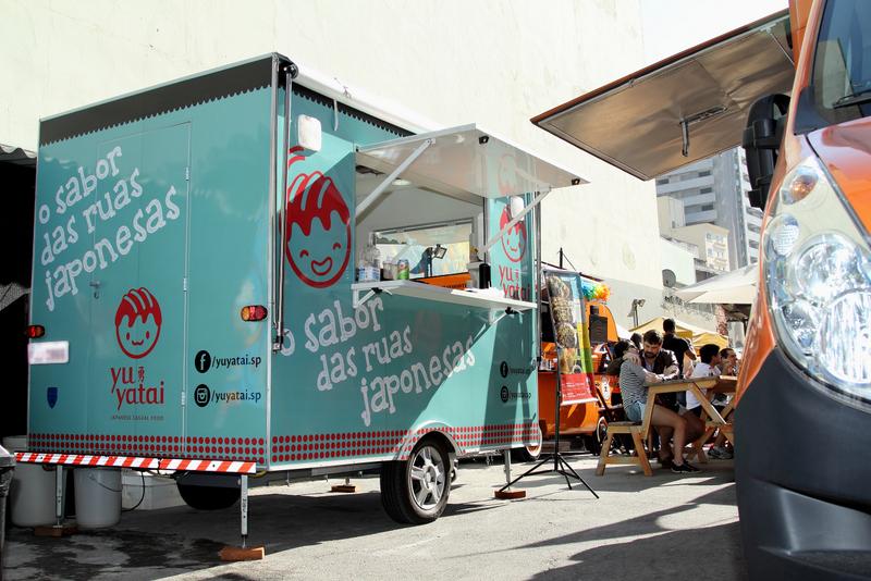 Trailer roda São Paulo para divulgar a comida de rua japonesa