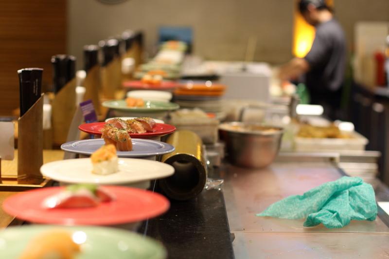 Esteira do Nagarê Sushi - Foto: Henrique Minatogawa