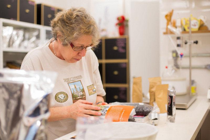 Sylvia Rodrigues é especialista em chás, da TeaKettle Casa de Chá (Rua Alexandre Dumas, 1049-SP)