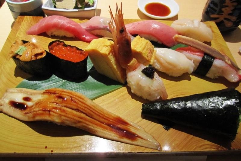 HT17_jojoscope_sushi (2)