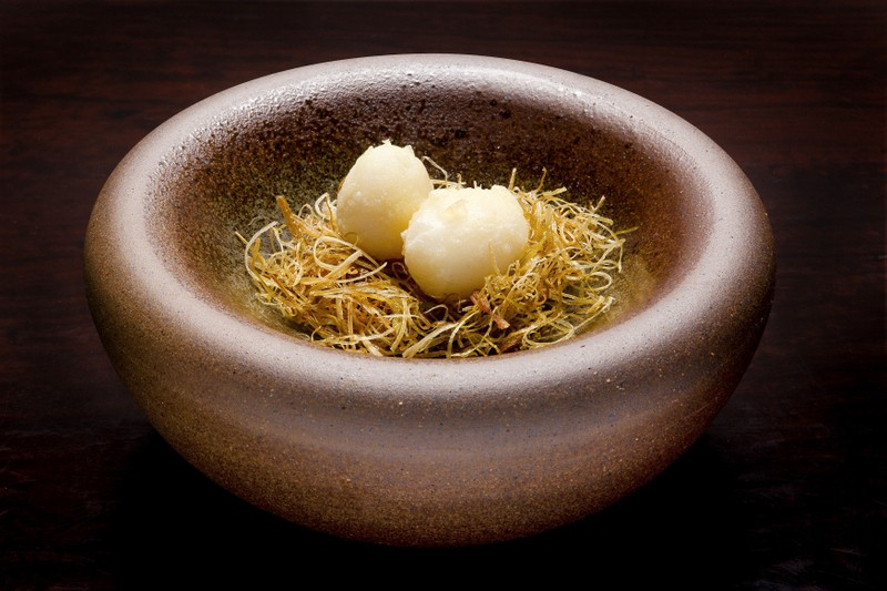 HT17_michelin_sakamoto_Tempurá de ovos de codorna