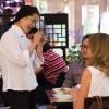 Chef Telma Shiraishi, do Aizomê explica a harmonização dos pratos com o chá gyukuro