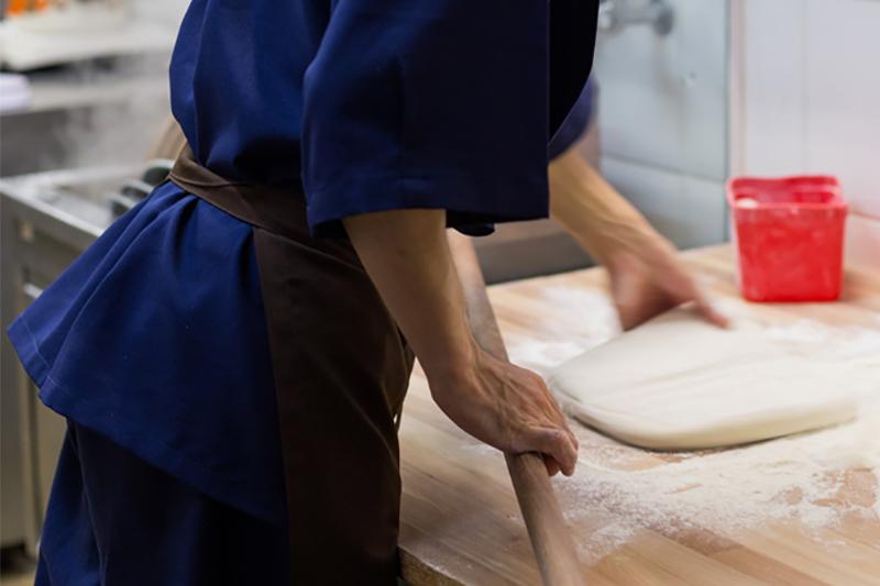 Processo de preparo do udon - Fotos: Rafael Salvador