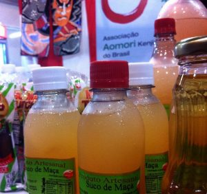 suco de maçã aomori festival do japão