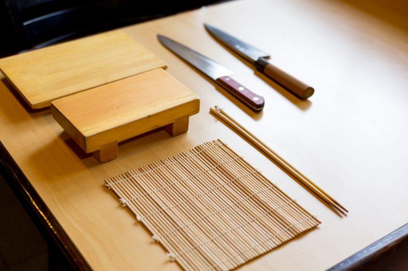 Os cuidados com  utensílios  de madeira na cozinha oriental