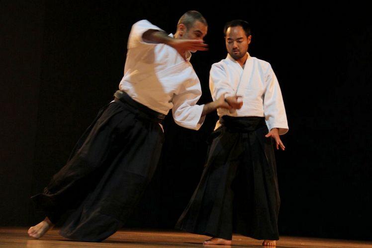 Demonstração de aikido por Ono sensei, no IV Encontro Internacional de Contato e Improvisação