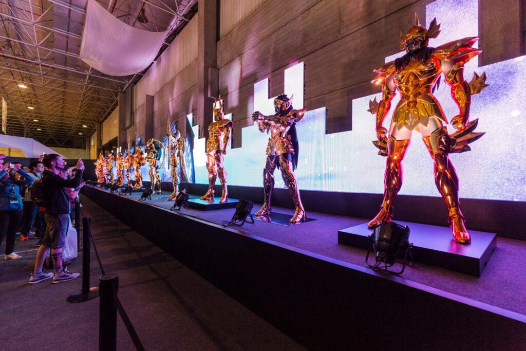 As 12 Armaduras de Ouro dos Cavaleiros do Zodíaco em exposição na Comic Con Experience 2016